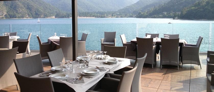 hotel-mezzolago-restaurant.jpg